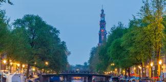Amsterdam i skymning
