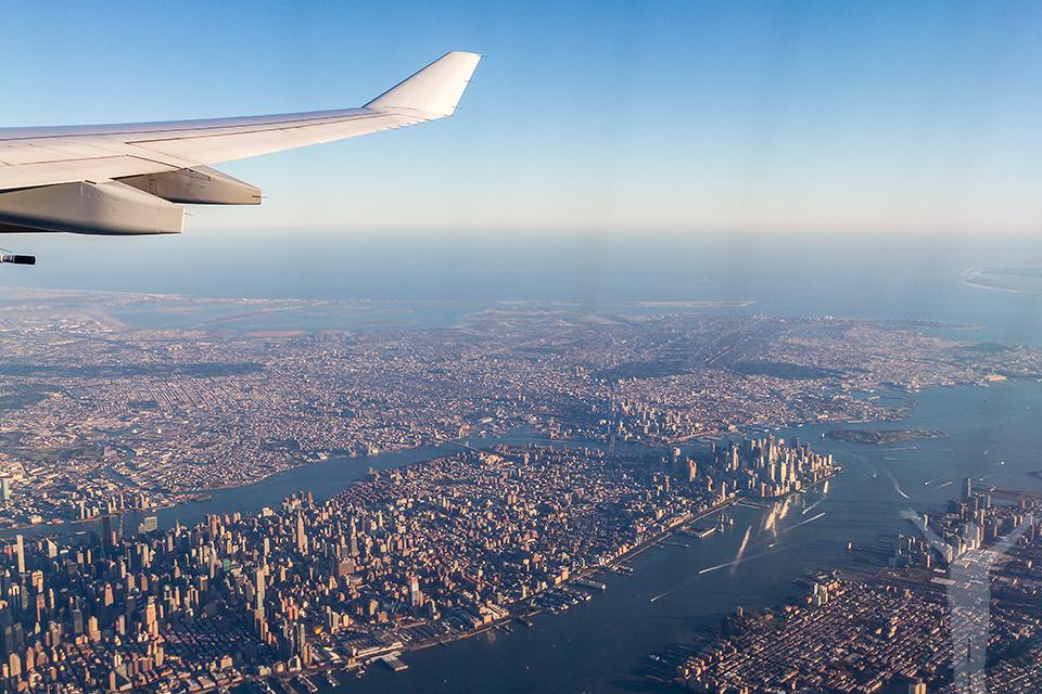 Manhattan några minuter efter takeoff från Newark