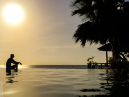 Infinity-pool Zanzibar