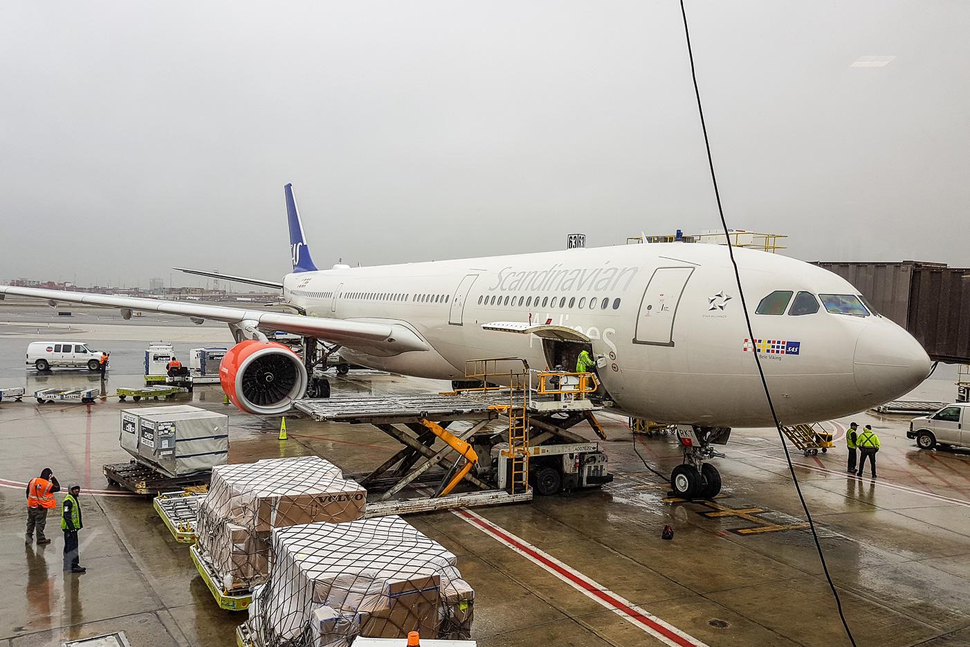 SAS A330 LN-RKT