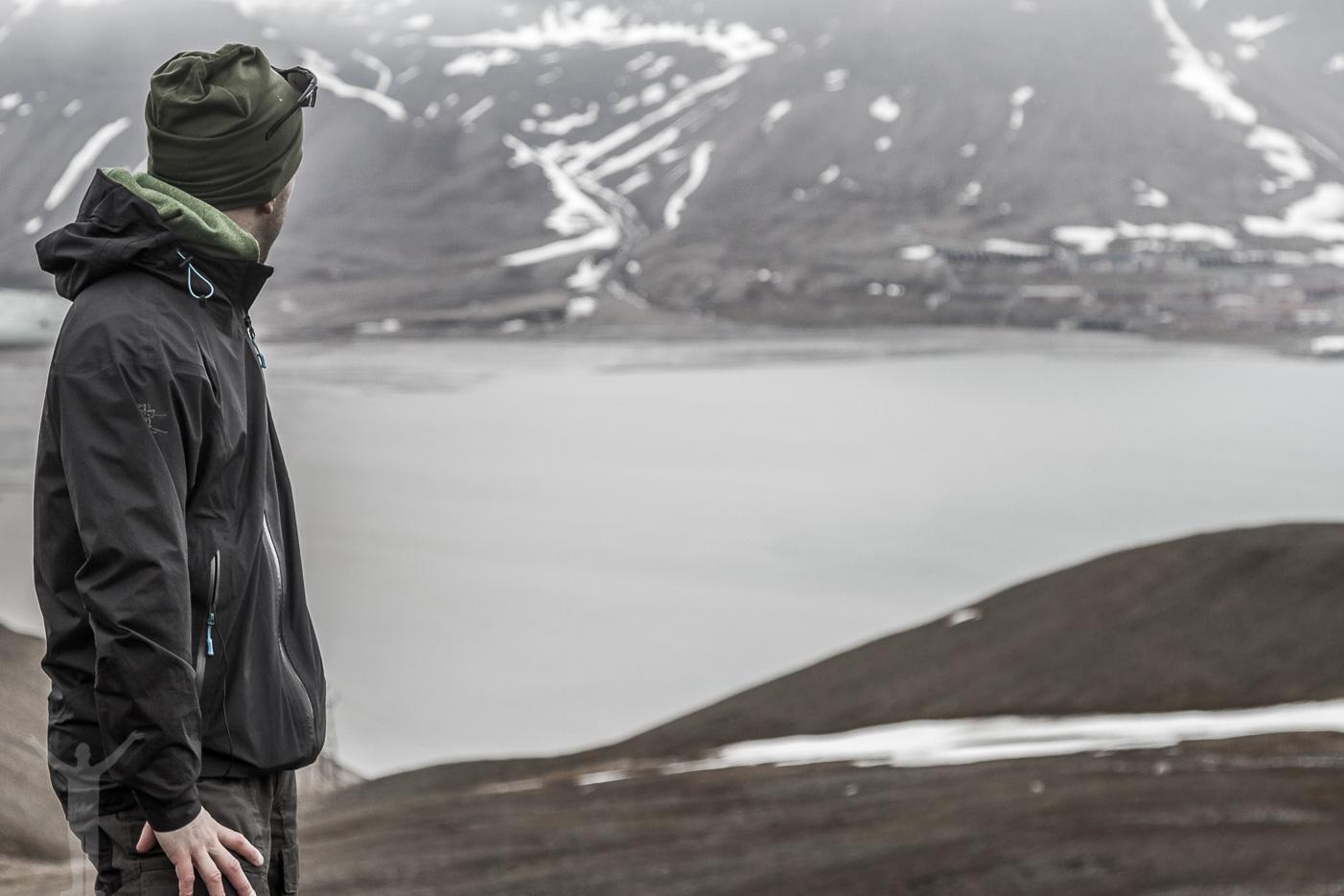 Dryden blickar mot Longyearbyen