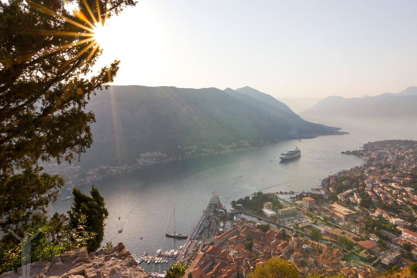 Solnedgång över Kotor