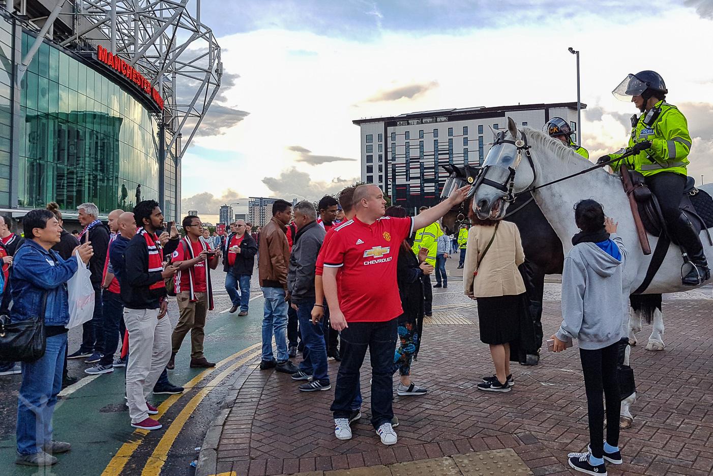 Efter matchen, utanför Old Trafford