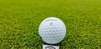 Golfboll och markör