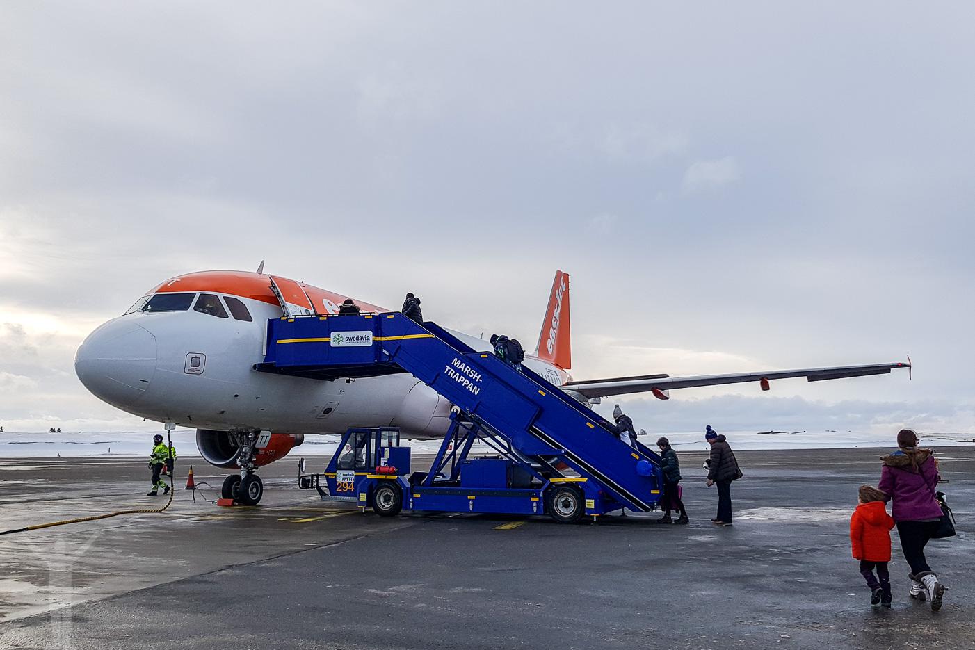 Airbus A320-214 (G-EZTT) - billigt flyg till London