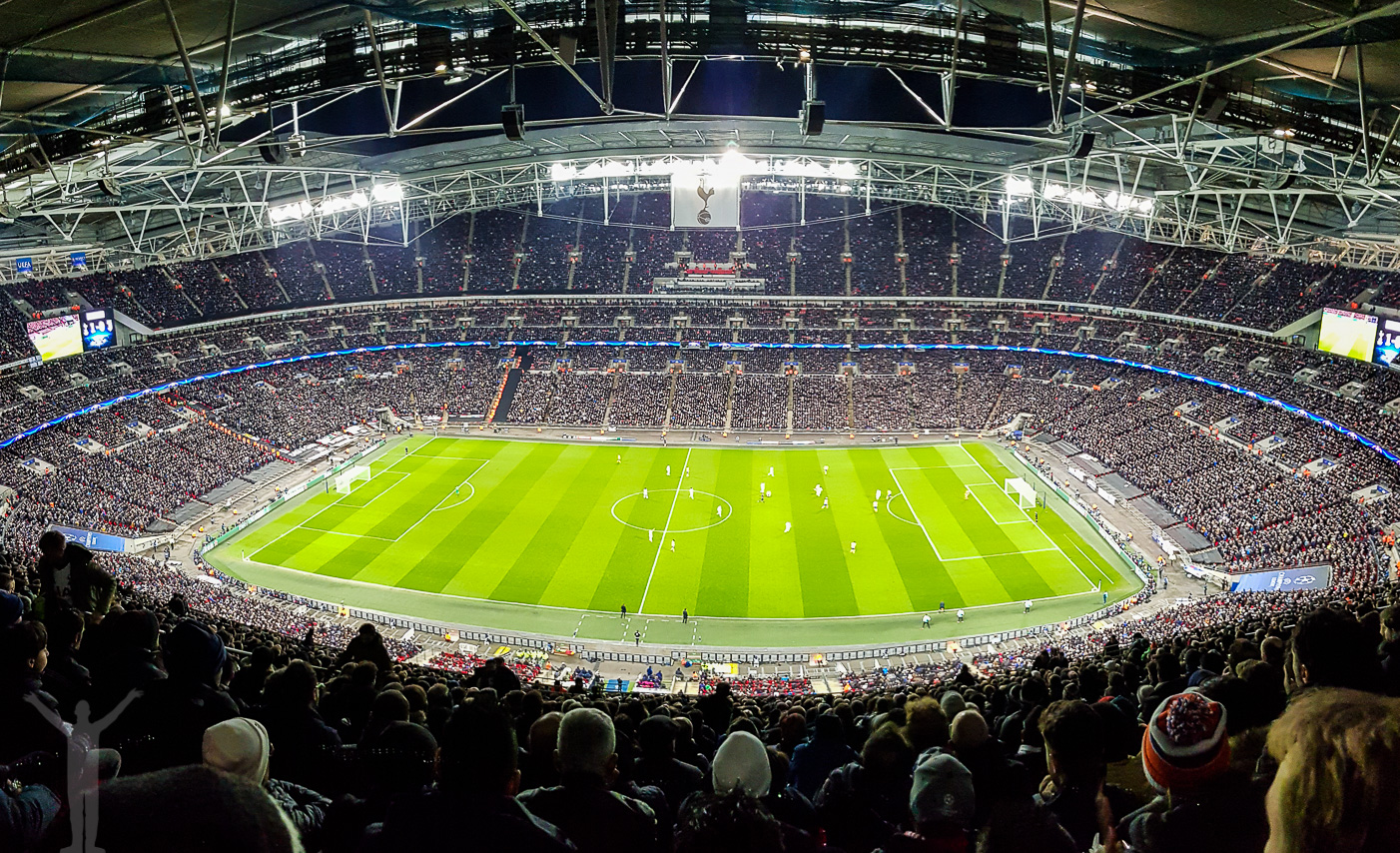 Panoramabild över Wembley