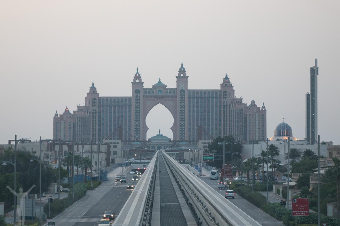 Atlantis, längst ut på palmen