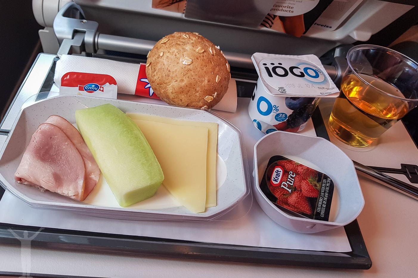 Frukost på Edelweiss Air