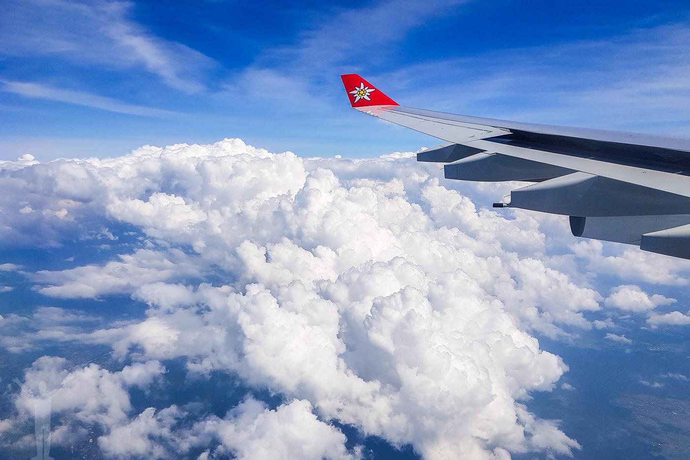 Uppe bland molnen innan landning i Zürich