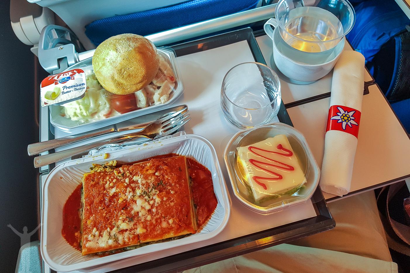 Middag i ekonomiklass på Edelweiss Air