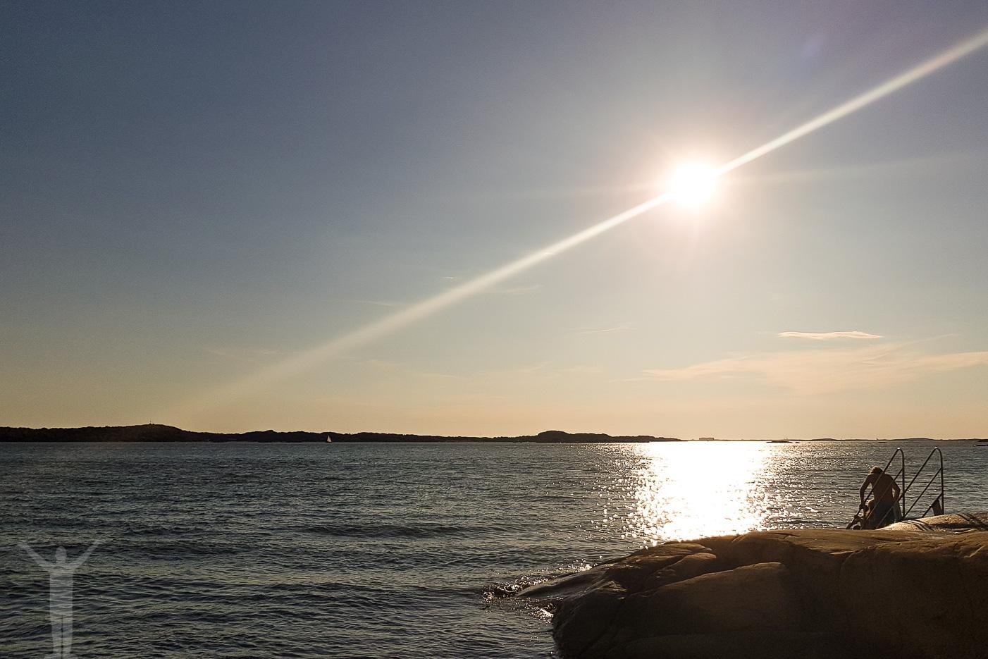 Klippor och hav på Saltholmen.