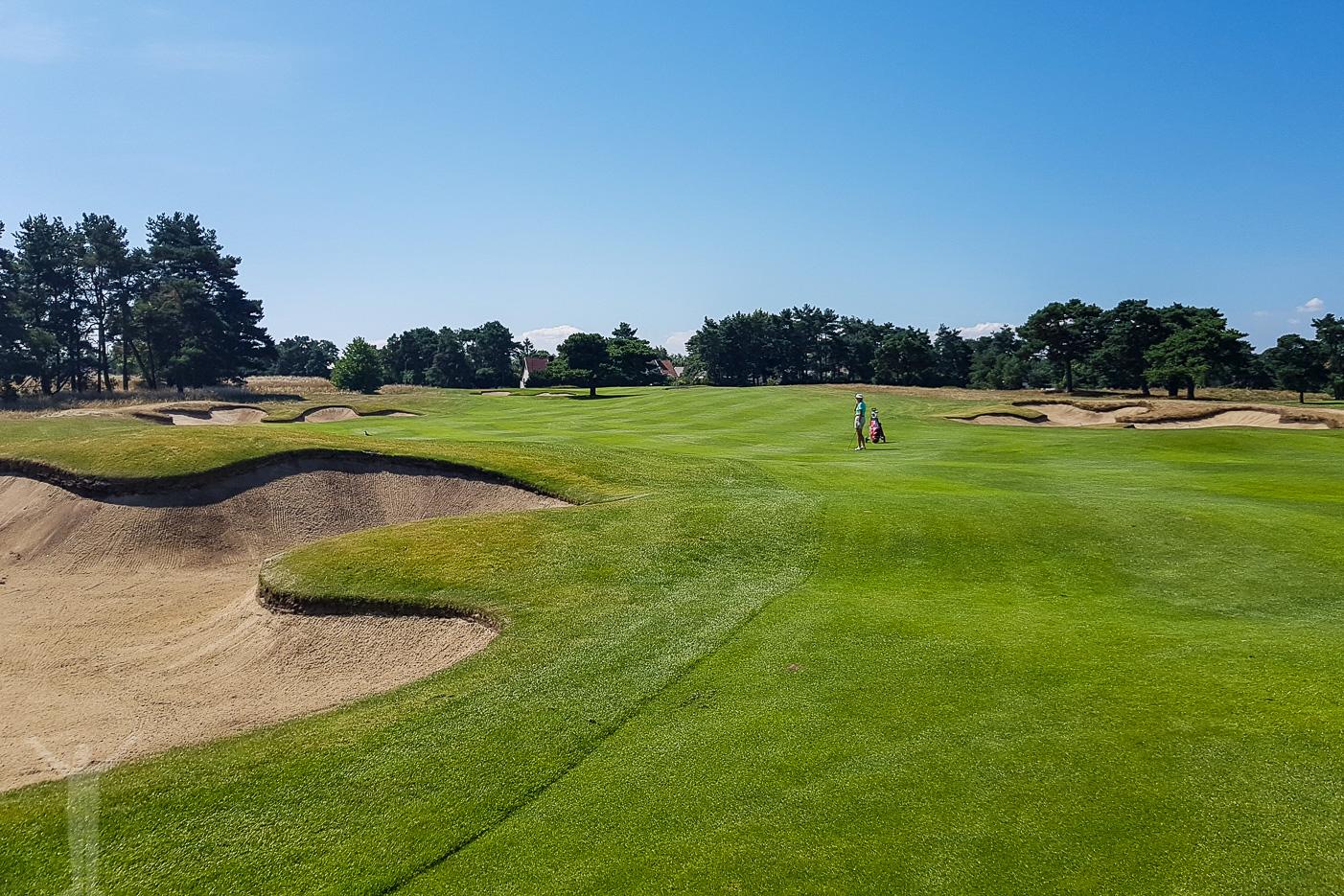 Fairway och golf på Åhus östra golfbana