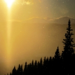 Toppen av Leråkroken vid Leråliften - sista åket! Magi med Snasahögarna i horisonten.