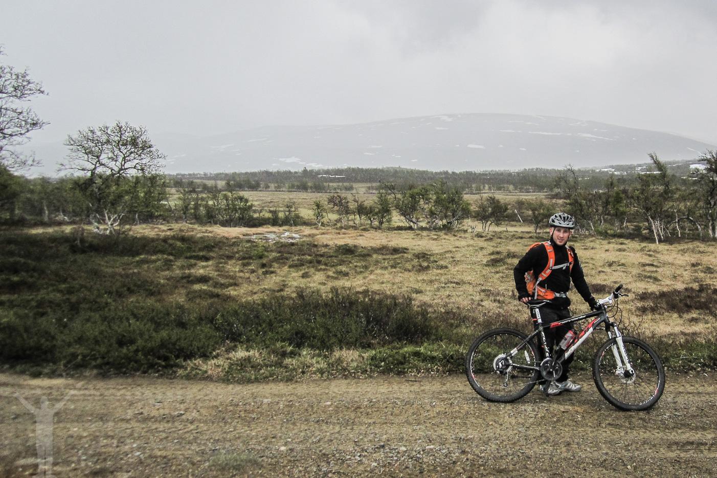 Dryden på mountainbike
