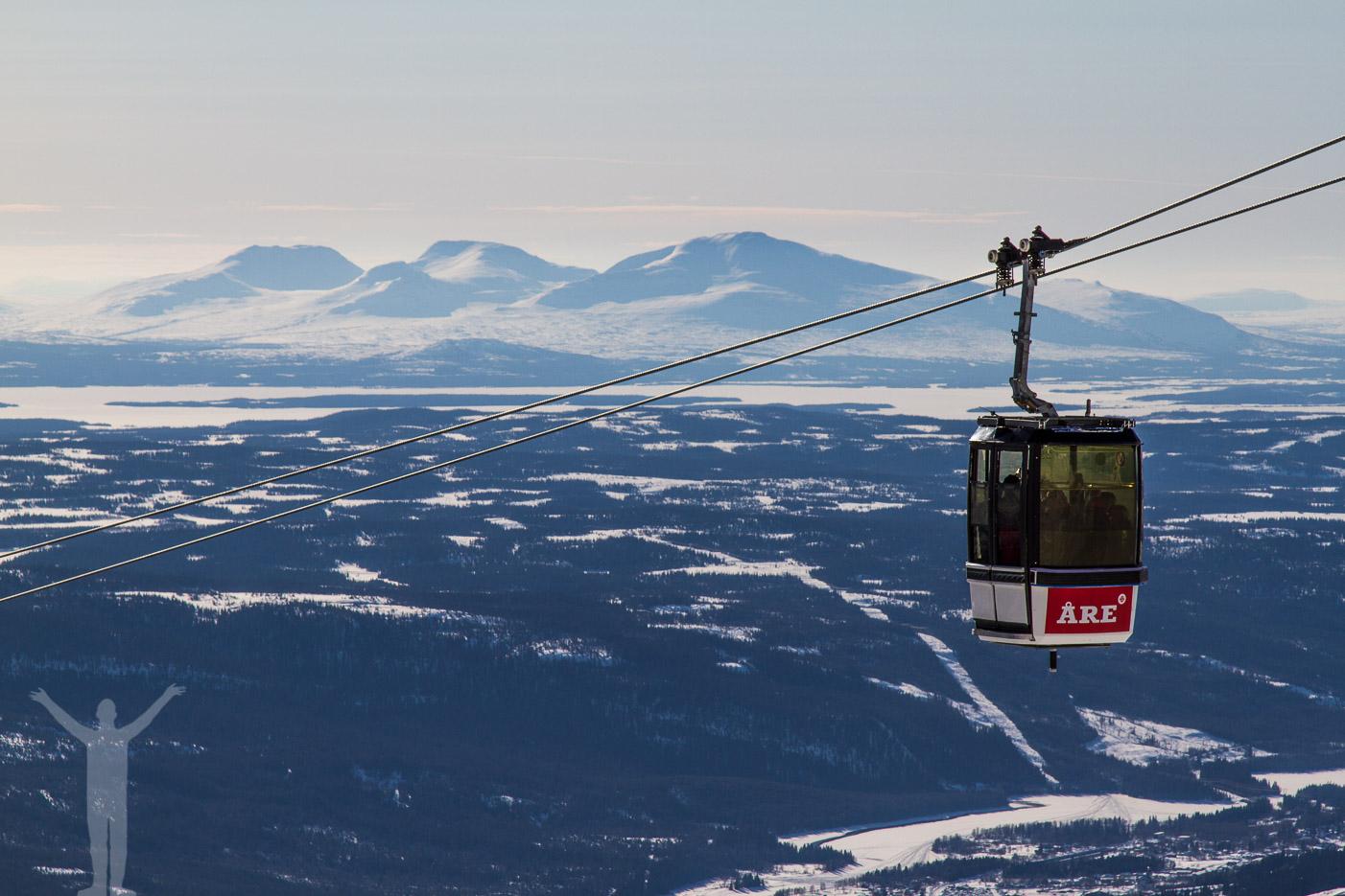 Skidåkning i Åre och Snasahögarna i horisonten