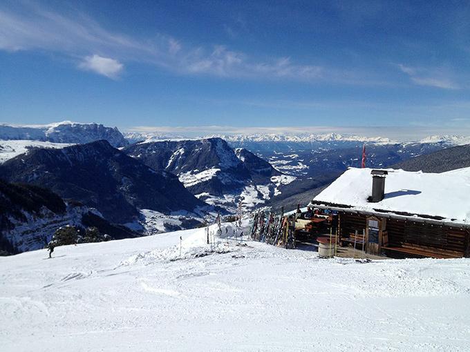 Skidor och livsstil i Alperna