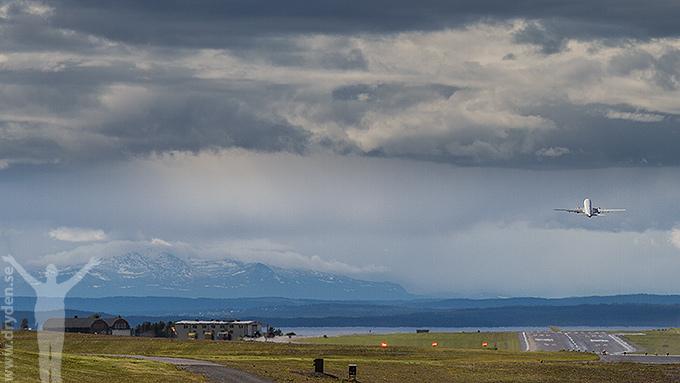 Åre Östersund flygplats med fjällutsikt