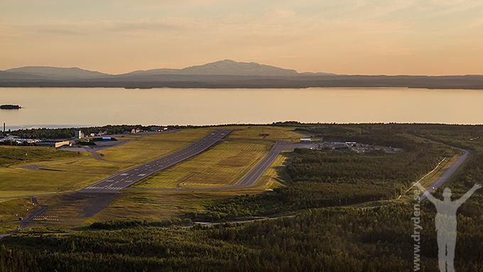 Solnedgång över Storsjön och flygplatsen