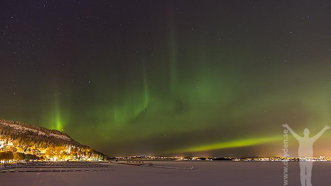 Julaftonskväll och norrsken över Frösön