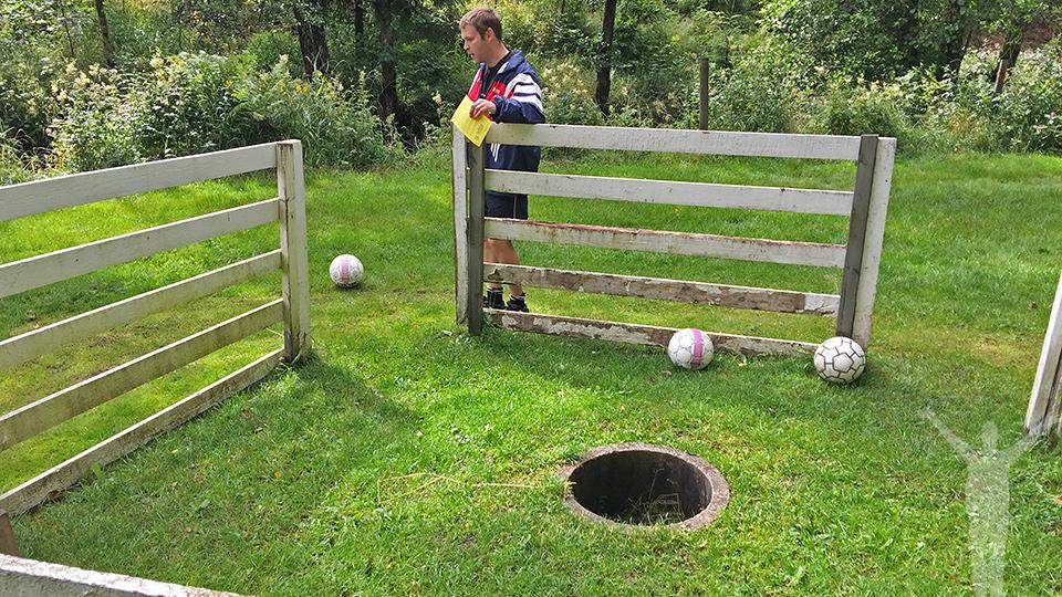 """Fotbollsgolf på Lane Loge - """"green"""" på hål 5"""