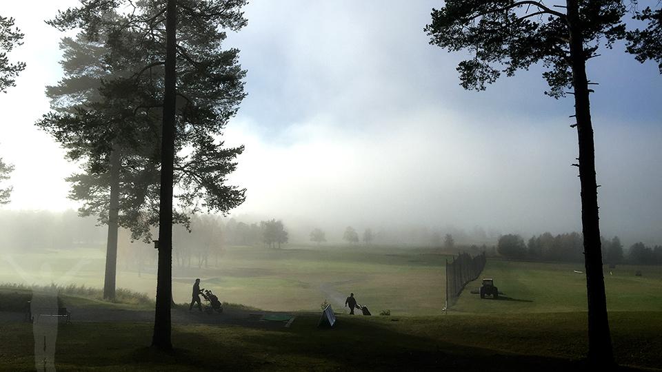 In i dimman - golf i oktober
