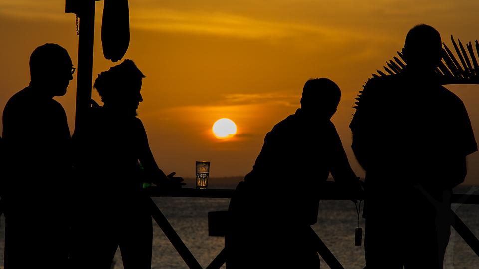 Kontraster - solnedgång på Zanzibar