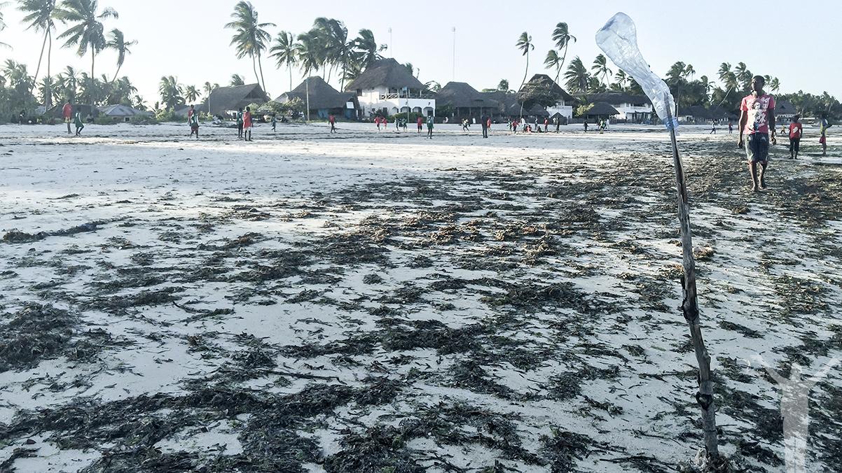Gameday - match på stranden i Jambiani