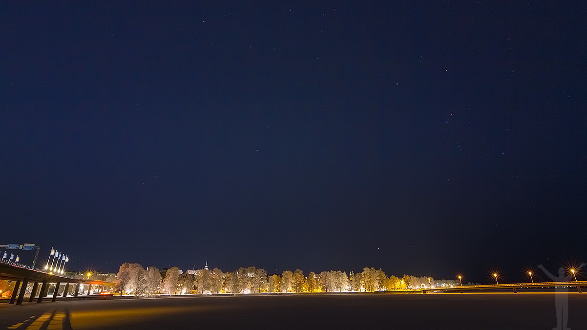 Med kamera och stativ - Östersund i mörkret