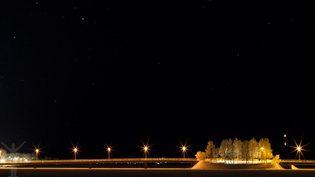 Vinterstaden Östersund under stjärnhimlen