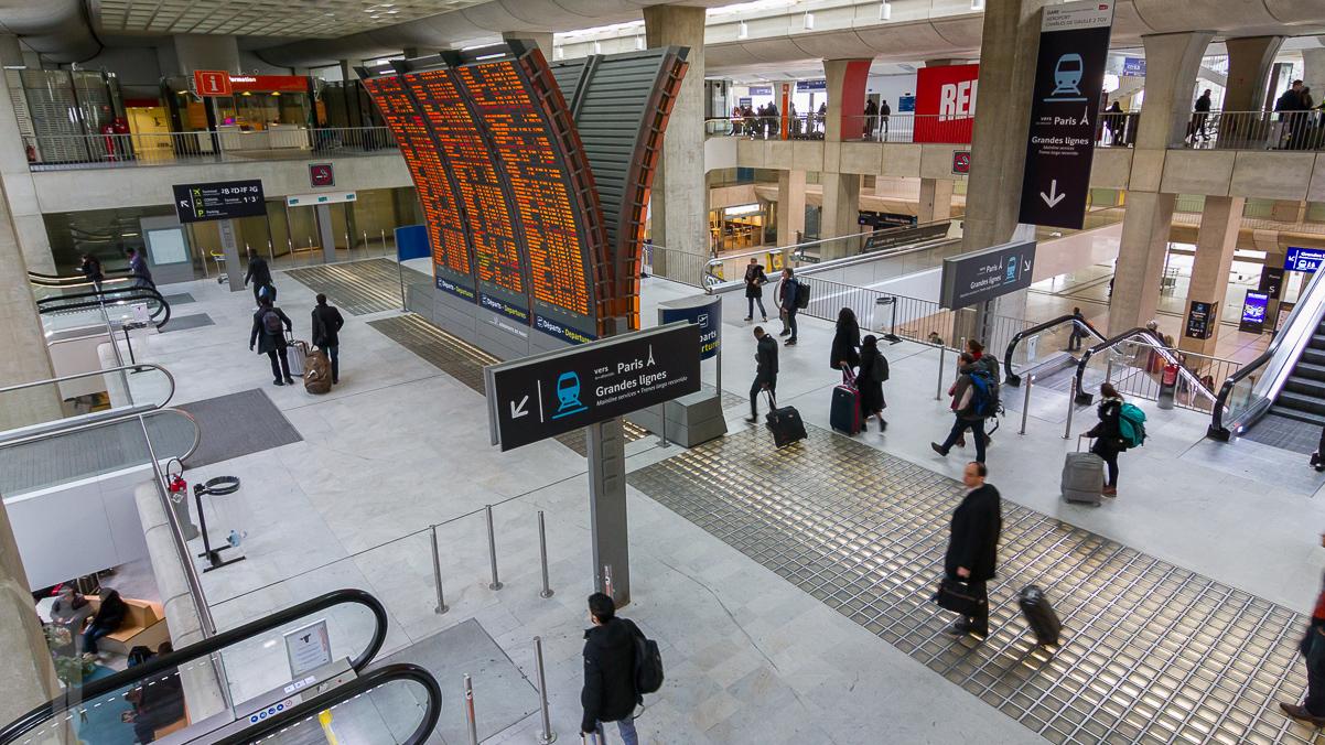 Avgångar Terminal 2