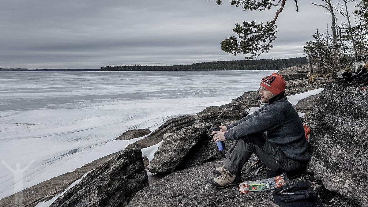 Fika med fjäll- och sjöutsikt. Foto: M.Carlsson