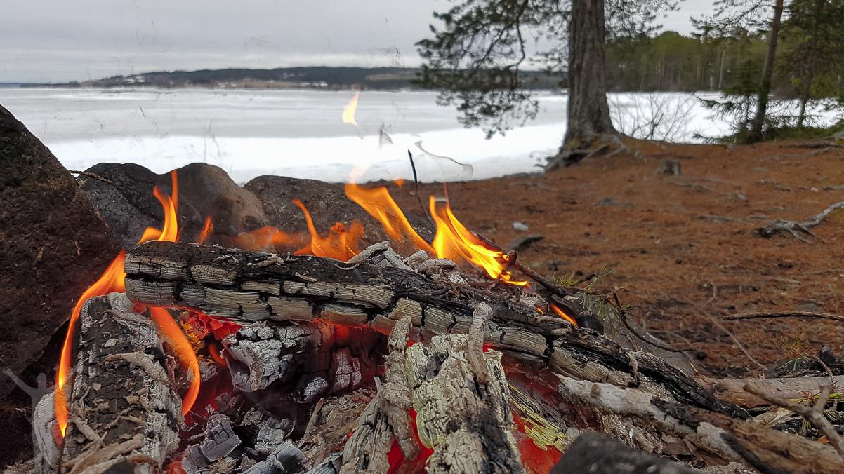 En eldstad att värma sig vid