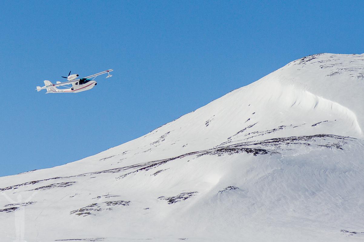 SE-VME flög över fjällstationen