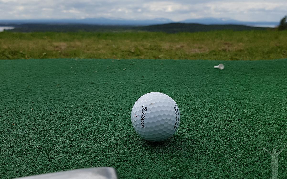 Säsongens första golfslag