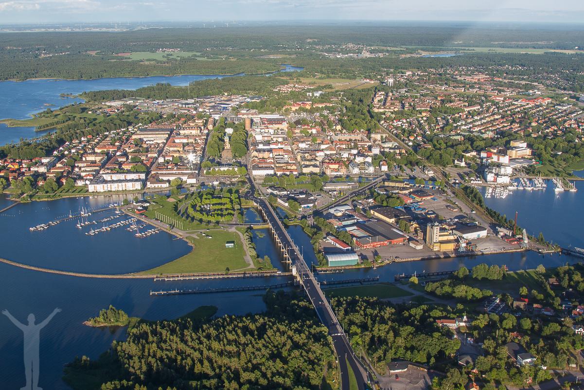 Dalbobron, flygfoto över Vänersborg.
