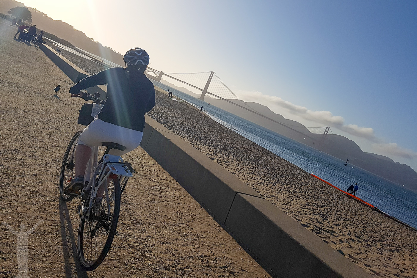 Att ta hyrcykeln till Golden Gate-bron