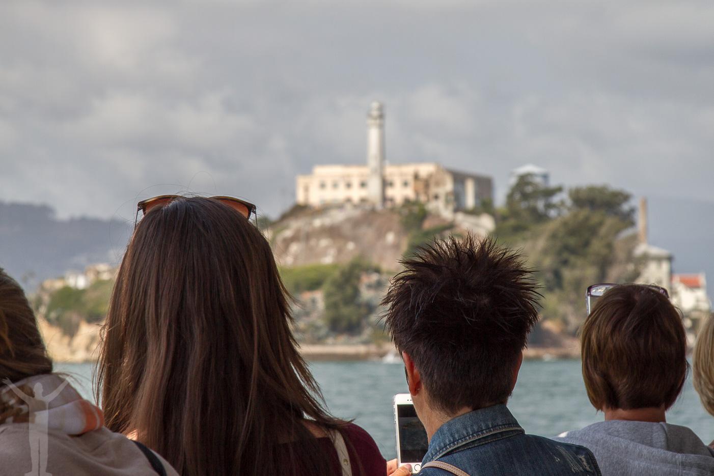 Alcatraz närmar sig