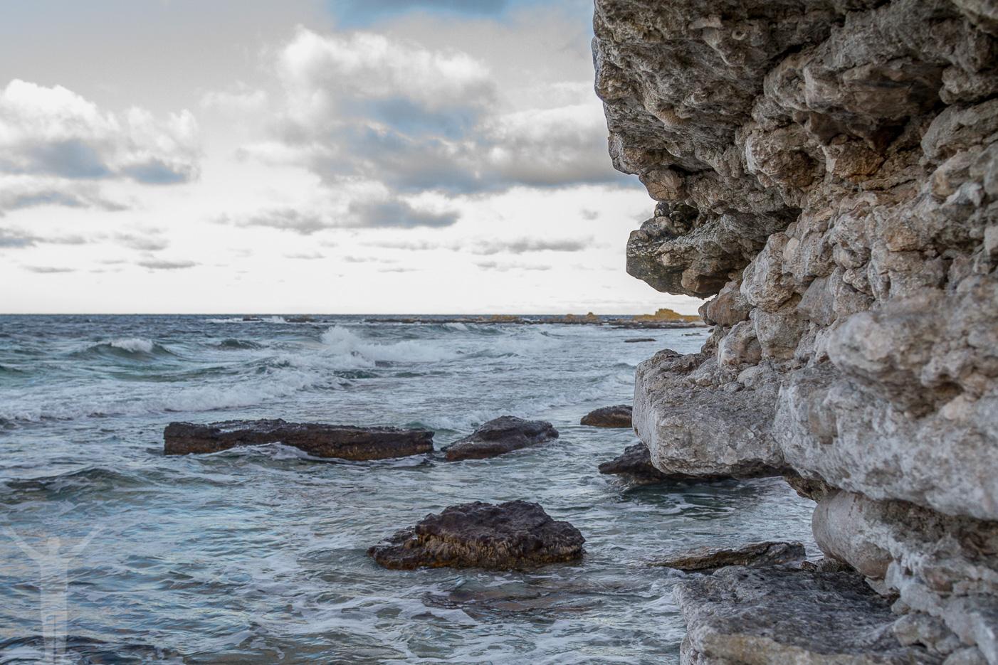Raukar på Finslipade stenar på Digerhuvud