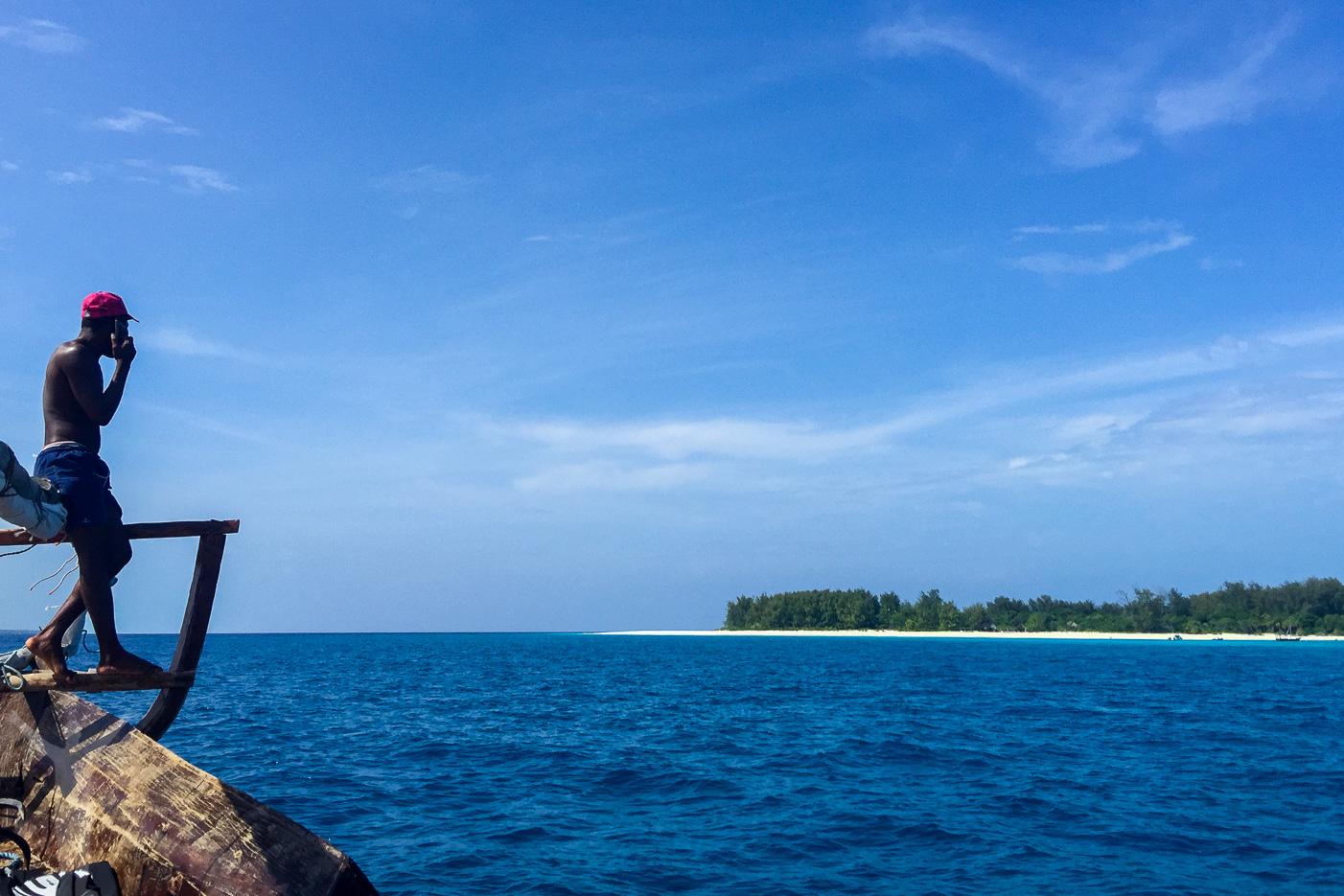 Fira jul utomlands på Mnemba-atollen