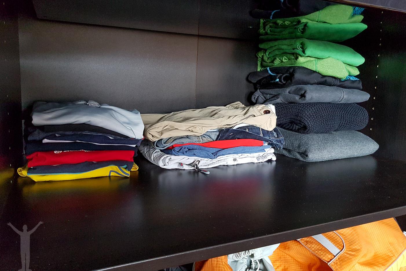 Städning i garderoben