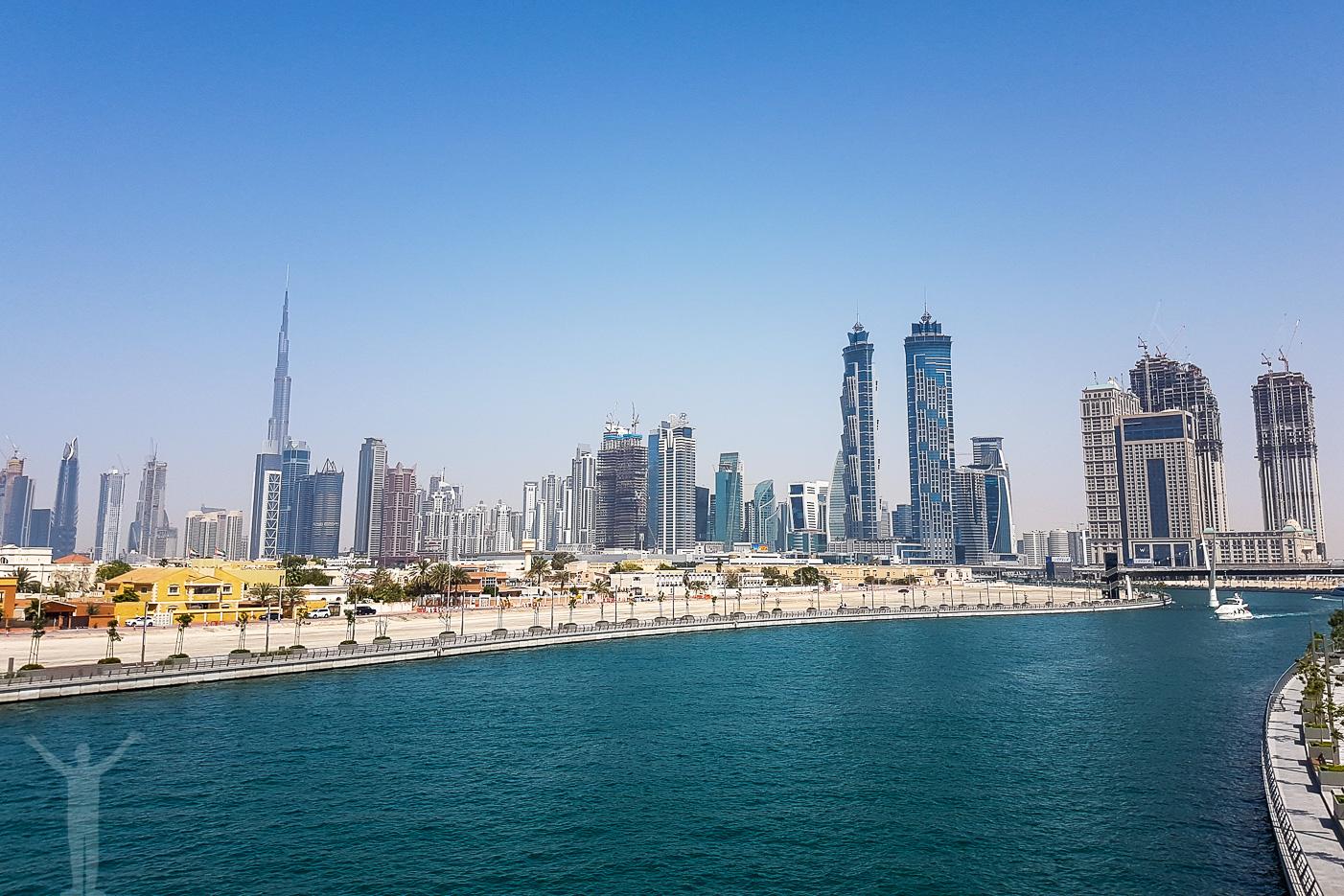 Dubai och skylinen