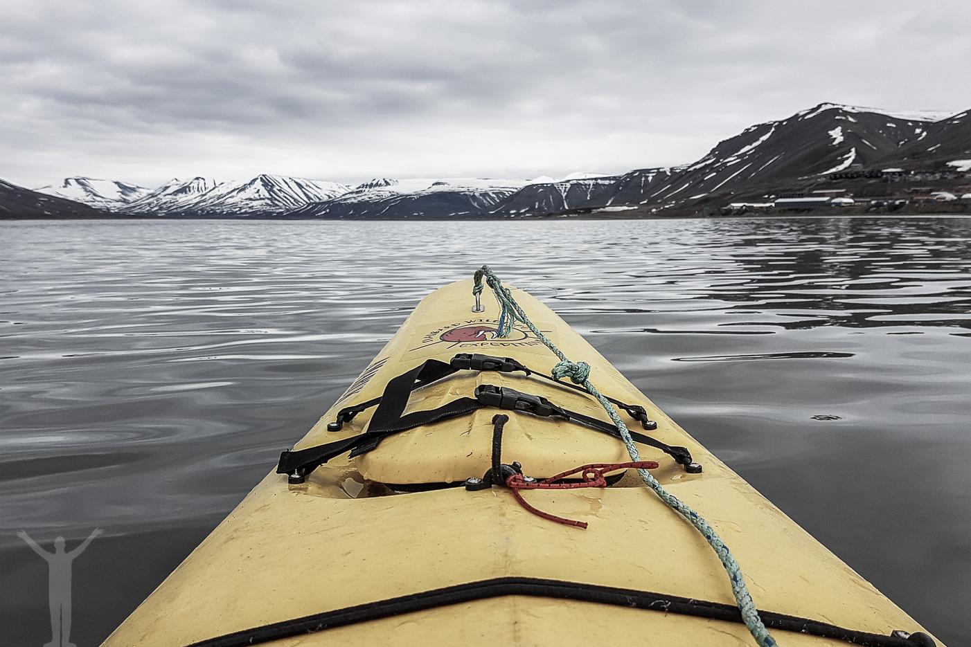 Paddla kajak och göra topptur på Svalbard