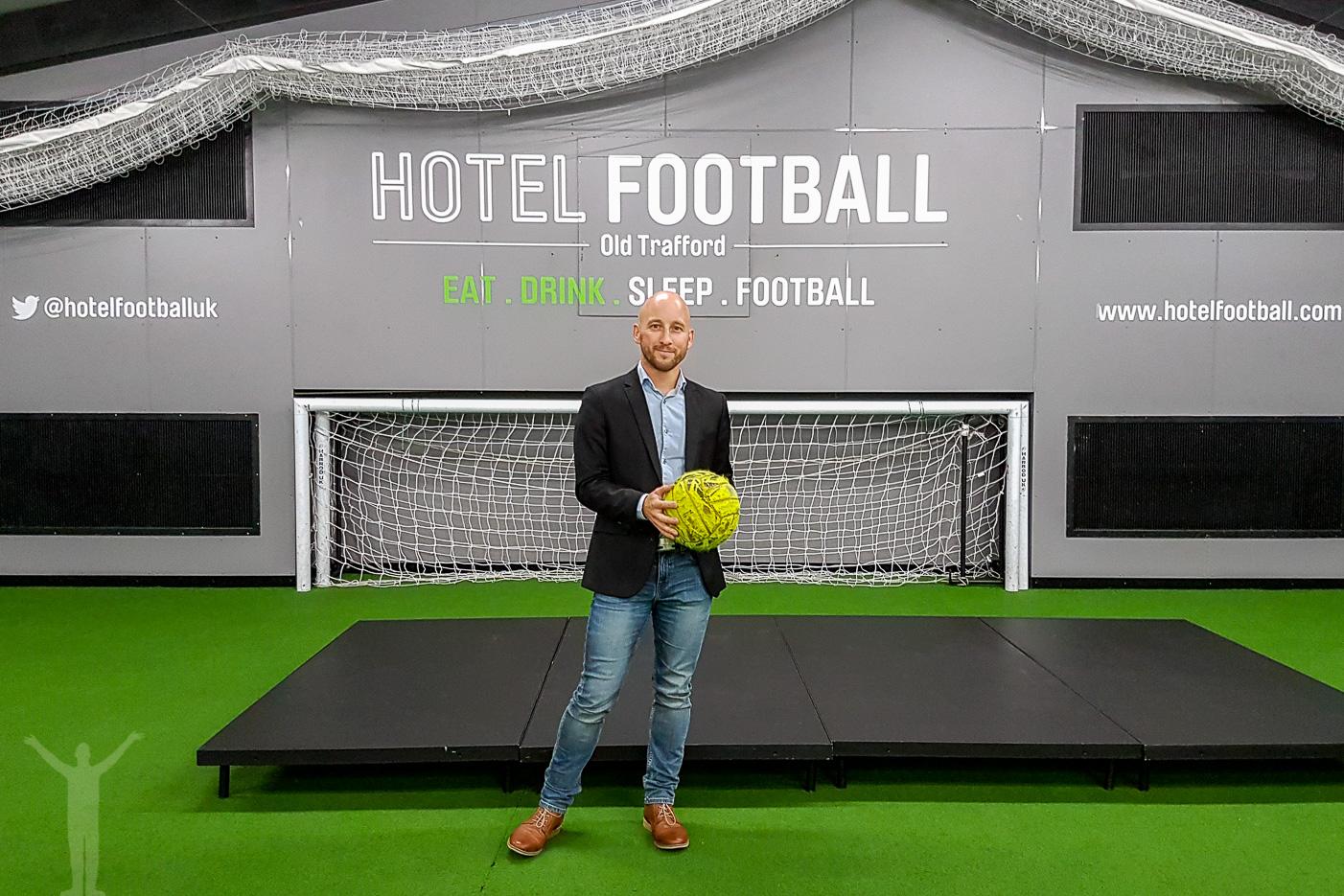 Spela fotboll på Hotel Football