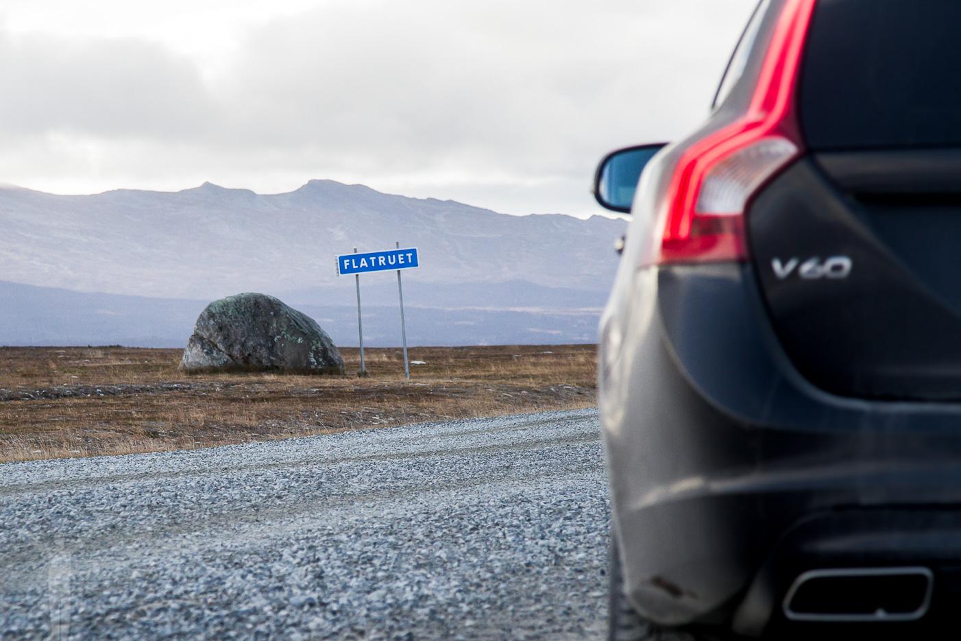Volvo V60 D4 på Flatruetvägen