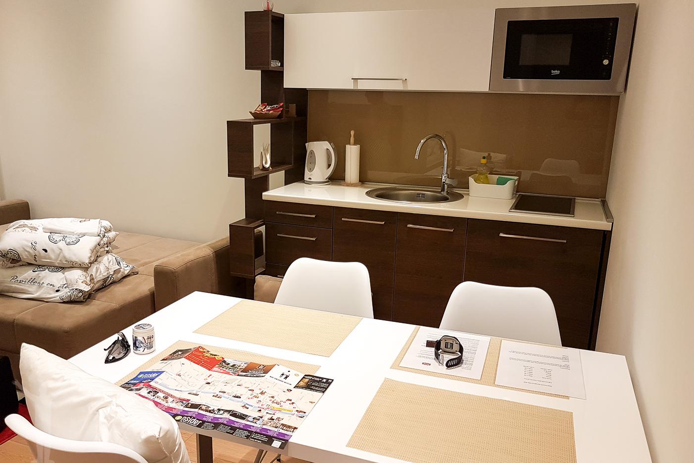 Vår lägenhet i Sarajevo - köket i Corso Apartments