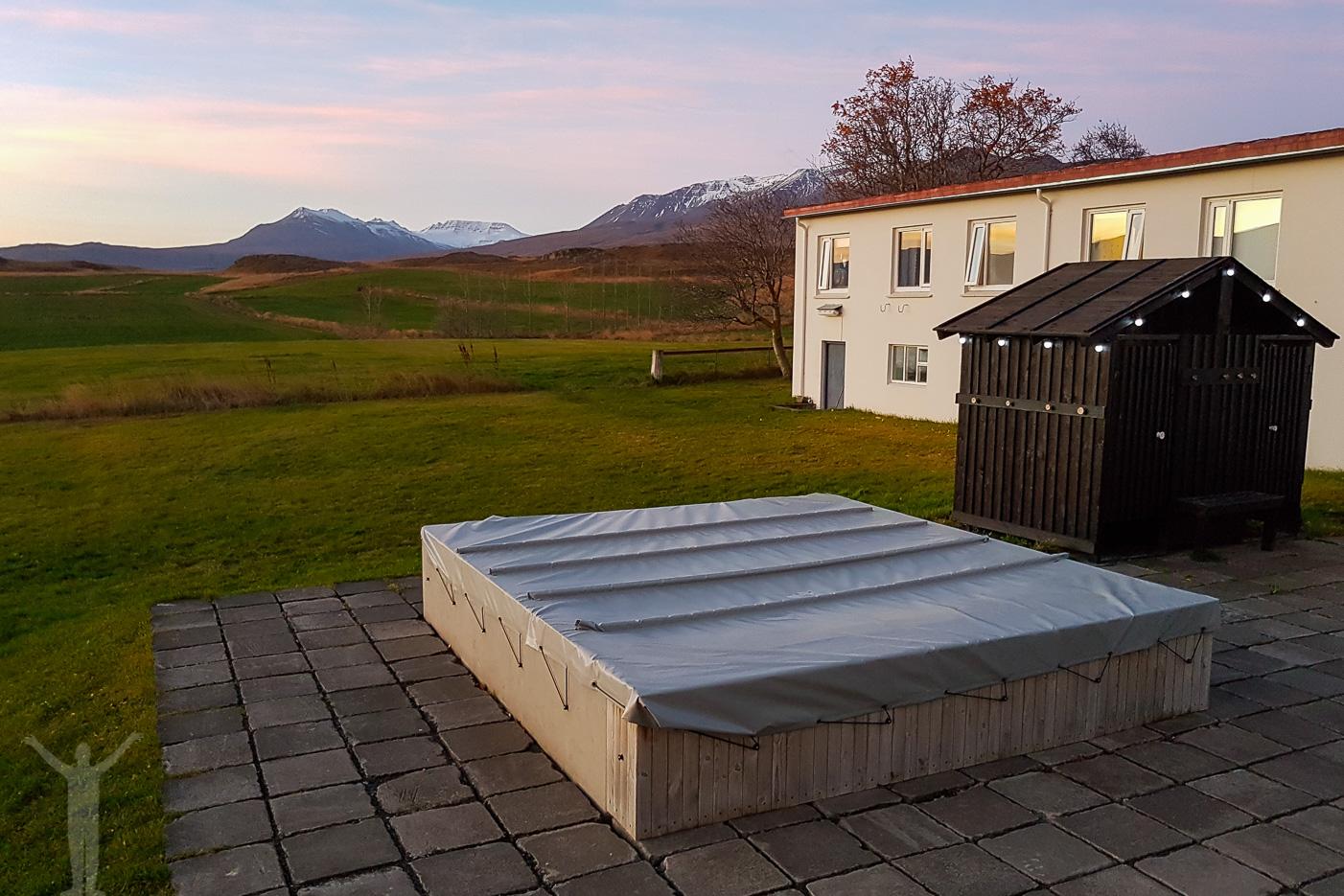 Skjaldarvik Guest House - pool