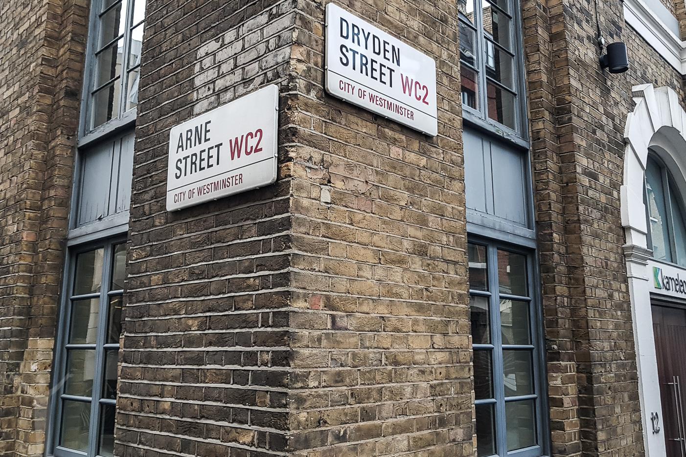 Dryden Street och Arne Street