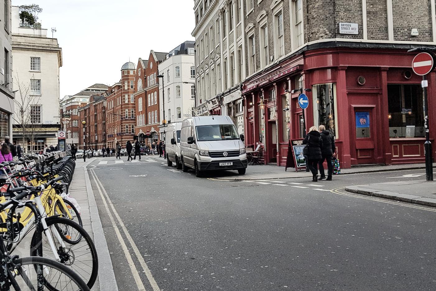 Dryden Street från Drury Lane