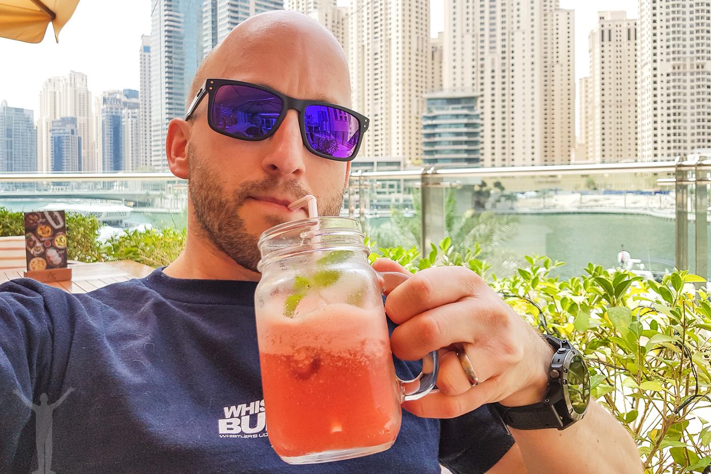 Alkoholfri fördrink innan zipline i Dubai