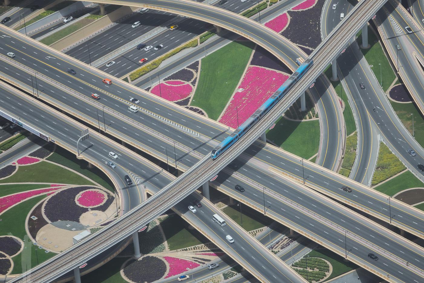 Motorväg och metro i Dubai